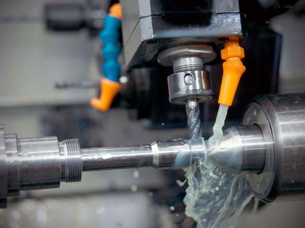 Lubrorefrigerante-emulsionabile-per-lavorazione-metalli-lombardia