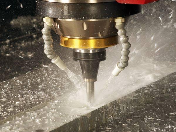 Produzione-e-fornitura-olio-per-carpenteria-meccanica-lombardia
