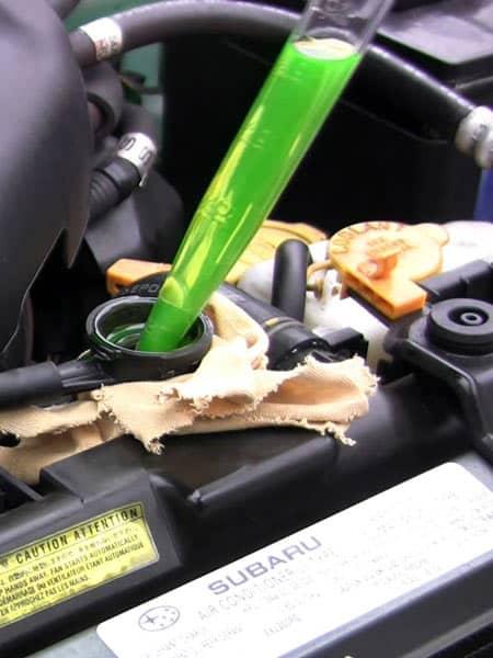 Vendita-liquido-raffreddamento-motore-auto-lombardia