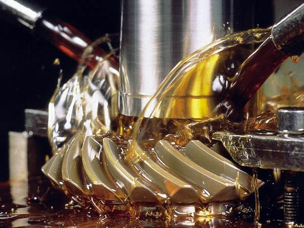 Fornitura-olio-per-ingranaggi-ipoidi-lombardia-emilia-romagna