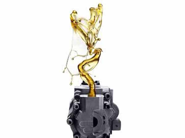 Vendita-olio-idraulico-per-escavatori-e-trattori-emilia-romagna